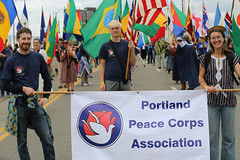 "QI8A2155 (komissarov_a) Tags: rain shine rose festival 2019 clown prince portland oregon parade grand floral centerpiece june spectators girls floats queen court president society canon 5d mark3 rgb komissarova streetphotography fun tradition celebration ""highschool"" award flowers ambassadors rosarians music princesses bands firefighters clowns cadets navy tsa walk mayor annual largest college scholarship alaska boeing foundation mexican vietnamese sistercity khabarovsk band marching burnside bridge парад фестиваль роз портланд орегон праздник королева школьники гости зрители клоун полиция моряки оркестры"