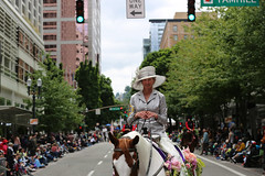"QI8A2288 (komissarov_a) Tags: rain shine rose festival 2019 clown prince portland oregon parade grand floral centerpiece june spectators girls floats queen court president society canon 5d mark3 rgb komissarova streetphotography fun tradition celebration ""highschool"" award flowers ambassadors rosarians music princesses bands firefighters clowns cadets navy tsa walk mayor annual largest college scholarship alaska boeing foundation mexican vietnamese sistercity khabarovsk band marching burnside bridge парад фестиваль роз портланд орегон праздник королева школьники гости зрители клоун полиция моряки оркестры"