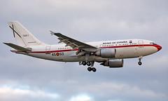 T.22-1 - Airbus A310-304 - LHR (Seán Noel O'Connell) Tags: spainishairforce t221 airbus a310304 a310 heathrowairport heathrow lhr egll 27l ame4556 military aviation avgeek aviationphotography planespotting toj leto