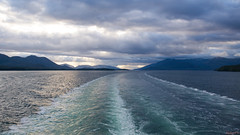 En mer, sea - Alaska, AK, USA - 1289 (rivai56) Tags: début du coucher de soleil au loin sillage bateau beginning sunset distance wake boat seaalaska ak usa nnoordam holland america line