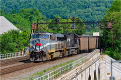 NS 8025-Johnstown Pa. (Twenty17Teen Photography) Tags: johnstown pennsylvania trains railroads norfolksouthern coollocation