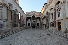Early morning at Diocletian's Palace - Split, Croatia (russ david) Tags: diocletians palace peristyle dioklecijanova palača roman emperor diocletian balkans architecture travel unesco world heritage site old town split croatia early morning hrvatska republic of republika november 2018