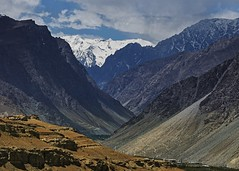 The valley of the Aryans !! (Lopamudra !) Tags: lopamudra lopamudrabarman lopa landscape ladakh jk india aryan valley vale darchick darchik garkone dah indus indusvalley mountain mountains curve layer range himalaya himalayas highland highaltitude clouds cloud sky skyscape peak peace peaks beauty beautiful picturesque