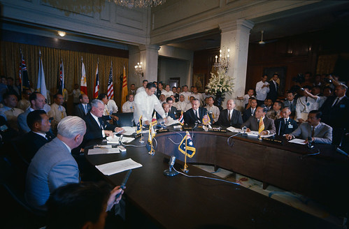 Signing of the Manilla Summit Agreement