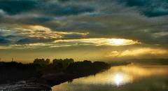 Dawn over the Volga River (Staropramen1969) Tags: volga river dawn sun reflection water dubna rivière aube soleil réflexion eau wolga fluss morgendämmerung sonne spiegelbild wasser