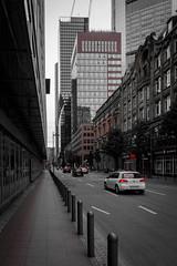 Streets of Frankfurt II (Christoph Wenzel) Tags: frankfurt deutschland colourkey sigma16mmf14dcdn sonyalpha6000 stadt wolkenkratzer rot architektur hessen frankfurtammain