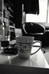 Kaffee (tom-schulz) Tags: ricoh grii monochrom bw sw outofcamera ooc berlin thomasschulz kaffee tasse kaffeetasse morgenkaffee