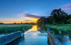 River Avon Sunrise (nicklucas2) Tags: landscape avon river ringwood hampshire sun sunburst sunrise cloud water
