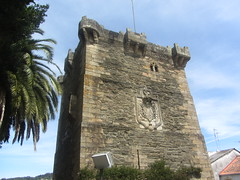 Looking up at Torre de  Andrade, Pontrdeume (d.kevan) Tags: torredeandrade towers windows decorativedetails architecturaldetails gothic andradefamily plants trees 14thcentury fortifications buildings doors balustrades stone walls roofs coatsofarms climbingplants