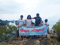 RAJA AMPAT INDONESIA (Raja Ampat Biz) Tags: rajaampat rajaampatbiz tourrajaampat indonesia インドネシア อินโดนีเซีย ινδονησία visitindonesia indonesiatravel أندونيسيا bahamas 印度尼西亚 honeymoon индонезия vacation journey holiday beach okinawa maldives hawaii borabora palau
