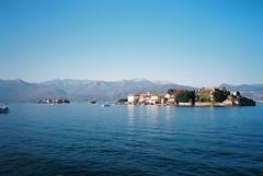 Lago Maggiore (cranjam) Tags: ricoh gr1 gr1v film kodak ektar100 italy italia lakemaggiore lagomaggiore lakeregion isoleborromee borromeanislands isolabella stresa palazzoborromeo alps alpi mountains montagne