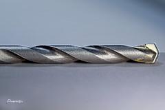 Curves everywhere (Anavicor) Tags: macro macromondays hmm mm barrena mèche drill curva curve courbe gris grey tamron90mm nikon d5300 anavillar villarcorreroana anavicor minimalista minimalismo