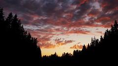 Sonnenuntergang im Juni. Sunset in June. (st.klaus612) Tags: sonnenuntergang sunset wolken clouds