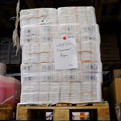 ein Bild sagt mehr als 1000 Worte (Werner Schnell Images (2.stream)) Tags: ws toilettenpapier finanzamt hagen palette