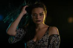 IMG_0099 (Giss_mhz) Tags: humo colores mujer modelo sesión canon book retrato efectos