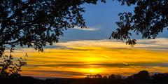 Sonnenuntergang (oblakkurt) Tags: sonnenuntergang himmel wolken bäume abendstimmungen