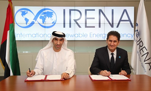 His Excellency Dr Thani bin Ahmed Al Zeyoudi, Minister of Climate Change and Environment, and Francesco La Camera, Director-General of IRENA, sign the supplementary agreement to the Headquarters Agreement in Abu Dhabi