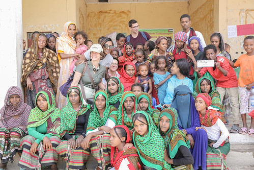 Group picture of UNICEF Luxemburg and UNICEF Ethiopia with locals at Megale Woreda, Adu Kebele, Afar Region.