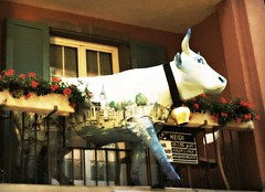 heidi (me, paolo and the seven wonders + two&little3) Tags: mucca cow vache scultura zurigo zurich schweiz suisse switzerlandsvizzera picmonkey