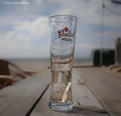 Heerlijk, Helder Grolsch (Pieter Musterd) Tags: weizen bier glas grolsch strand kijkduin pietermusterd musterd canon pmusterdziggonl nederland holland nl canon5dmarkii canon5d denhaag 'sgravenhage thehague lahaye hetstillestrand zee noordzee