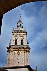 Nubes y la torre (enrique1959 -) Tags: martesdenubes martes nubes nwn soria burgodeosma castillayleon españa europa