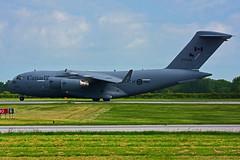 RCAF 177704 (Steelhead 2010) Tags: rcaf arc royalcanadianairforce boeing c17 cc177 globemaster 177704 yhm