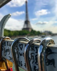 #Paris #toureffeil #effeiltower . . #france #nikon #nikonfr #nikonfrance #bd_night #nikontop #igersfrance #igersoftheday #loves_france_ #exclusive_france #nikon_dslr_users #nikond750 #super_france #igers #loireatlantique #longexposure #long_exposure #urba (AmzNantes) Tags: paris toureffeil effeiltower france nikon nikonfr nikonfrance bdnight nikontop igersfrance igersoftheday lovesfrance exclusivefrance nikondslrusers nikond750 superfrance igers loireatlantique longexposure urban night igersparis