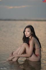 愛麗絲 (玩家) Tags: 2019 台灣 台北 白沙灣 人像 外拍 正妹 模特兒 彩虹愛麗絲 戶外 定焦 無後製 無修圖 taiwan taipei portrait glamour model girl female bikini outdoor d610 85mm prime