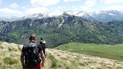 Plongée sur le parking (François Magne) Tags: boucle pic 3 trois seigneurs pyrénées montagne rocher neige panorama minéral
