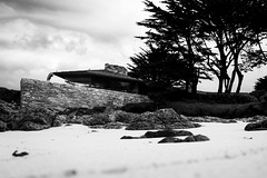 As transparent as waves (.KiLTЯo.) Tags: kiltro us california carmel architecture clintonwalkerhouse franklloydwright house sea ocean beach cypress tree