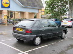 Citroen ZX Avantage (Andrew 2.8i) Tags: carspotting spotting street car cars streetspotting united kingdom wales classic classics uk road spot french hatch hatchback avantage zx citroen bangernomics