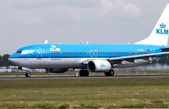 737 Fuut KLM (Dawlad Ast) Tags: aeropuerto internacional amsterdam ams schiphol holanda international airport mayo may 2019 avion plane airplane aircraft spotting aviation aviacion holland boeing 7378k2 phbxy klm sn 30372 grebefuut b738 737800 b737 despegue takeoff take off polderbaan