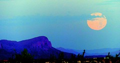 Strawberry moon setting in southwest (jimsc) Tags: strawberrymoon moon moonset skyscape skyshow desert sonorandesert arizona pimacounty tucson catalina morning panasonic lumix fz200 jimsc
