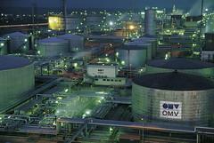 Archivnummer: MEDIA047221 (Noguchi Porter Novelli) Tags: schwechat operations refinery austria