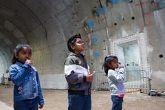 Kinderen in de tunnel met een lollie (Rotterdamsebaan) Tags: vlietzoom denhaag infra infrastructuur bouwen techniek rotterdamsebaan dagvandebouw tunnel