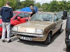 DJK 852W - 1980 Vauxhall Chevette 1300 L (quicksilver coaches) Tags: vauxhall chevette djk852w vauxhallheritage luton