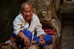 Preah Khan – Woman (Thomas Mülchi) Tags: preahkhan angkor siemreap cambodia 2018 siemreapprovince woman person people luckycharm krongsiemreap