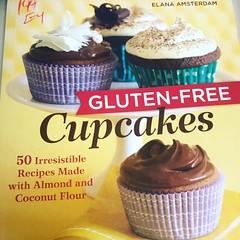 Gluten-Free Cookbook (booboo_babies) Tags: cupcake glutenfree cupcakes cookbook dessert food burbank california thrifting cooking thriftshop