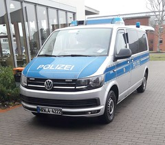 VW T6 - FustW (michaelausdetmold) Tags: volkswagen vw t6 bulli police polizei einsatz blaulicht fustw fahrzeug