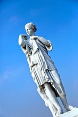 月亮//女神//狩獵 (K_HAN_K) Tags: 黛安娜 羅馬神話 月亮女神 狩獵女神 提法提娜 artemis diana 阿緹密斯 台南 奇美美術館 希臘神話 雕像