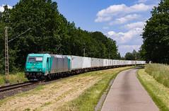 """[DE] Estorf, 17.06.2019 - 185 618 """"MKB"""" mit Containerzug (Frederik L.) Tags: db bahn cargo güterzug lok lokomotive baureihe 185 nienburg bahnhof privatbahn natobahn sommer traxx"""