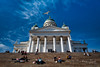 L'amour donne des ailes/Love is in the air (Elf-8) Tags: finland helsinki cathedral lutherian sun stair couple ird white sky