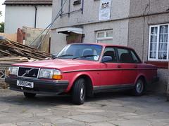 1991 Volvo 240 GL Auto (Neil's classics) Tags: 1991 volvo 240gl auto car