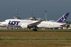 SP-LRA (Andras Regos) Tags: aviation aircraft plane fly airport bud lhbp spotter spotting landing lot lotpolishairlines boeing 787 b788 787dreamliner 7878 dreamliner