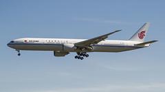 B-1282 Air China Boeing 777-39L(ER) (Nathan_Ivanov) Tags: airplane aircraft svo sheremetyevo uuee spotting boeing boeing777 airchina