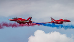 RAF Red Arrows crossing (Nicky Boogaard) Tags: lmd2019 lmd19 luchtmachtdagen2019 rnlafopendays volkel volkelairbase redarrows raf crossing