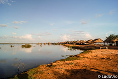 Countryside in Cambodia (Lцdо\/іс) Tags: siemreap siem cambodia cambodge campagne countryside cambodian nature reflection reflexion reflet kambodscha kampuscha khmer asia asian asie asiatique south southeast southeastasia voyage country outdoor