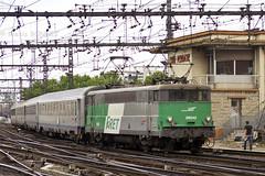 BB 9242 à Lyon Perrache (Alexoum) Tags: lyon sncf bb9200 ter train gare perrache fret