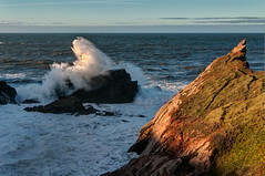 Rompientes (ccc.39) Tags: asturias sallnas playadelcuerno atardecer costa rocas acantilados mar cantábrico agua espuma coast shore cliff sea seascape sunset
