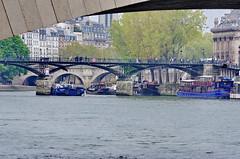271 - Paris Avril 2019 - le Pont des Arts (paspog) Tags: paris france avril april 2019 pont bridge brücke rivière fleuve fluss seine pontdesarts